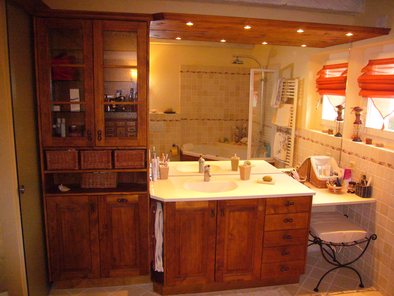 Salle de bain en longueur plan avec des for Meuble salle de bain tunisie